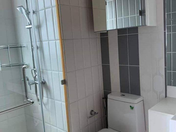 Circle Living Prototype - 2 bed 2 bath - floor 25