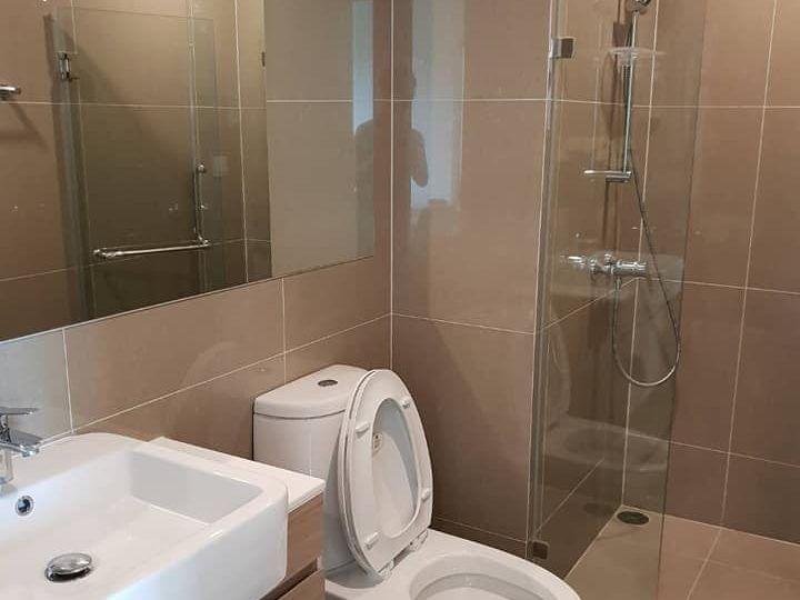 Noble Revolve Ratchada - 2 bed 1 bath - floor 37