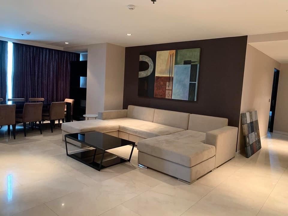 Eight Thonglor - 3 bed 3 bath - Floor 32