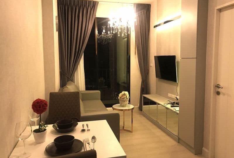 Living Room Niche Pride Floor 6