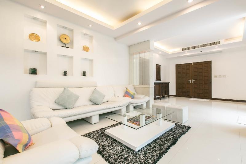 SPKT010 Villa Patong Beach - 4 bed 5 bath - 350 m2 - 58 Wah2 (240m2)