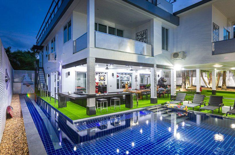 Private Pool - Villa Hotel Rawai Phuket - 7 beds 7.5 baths