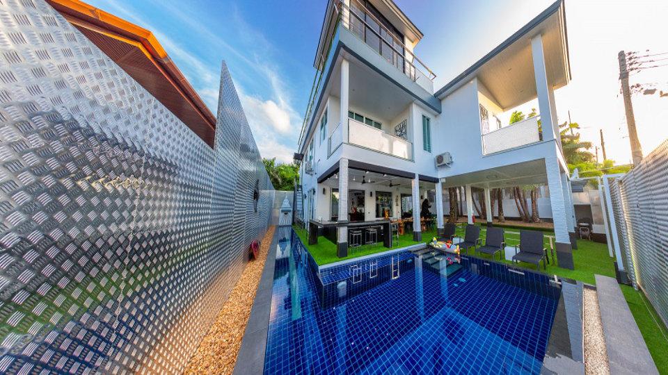 Villa Overview Pool - Villa Hotel Rawai Phuket - 7 beds 7.5 baths