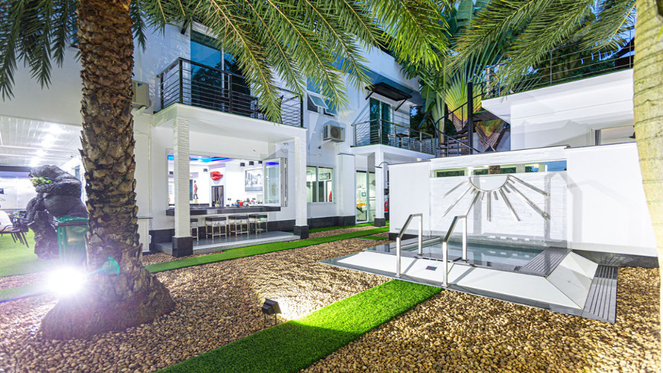 Small Dip Pool - Villa Hotel Rawai Phuket - 7 beds 7.5 baths