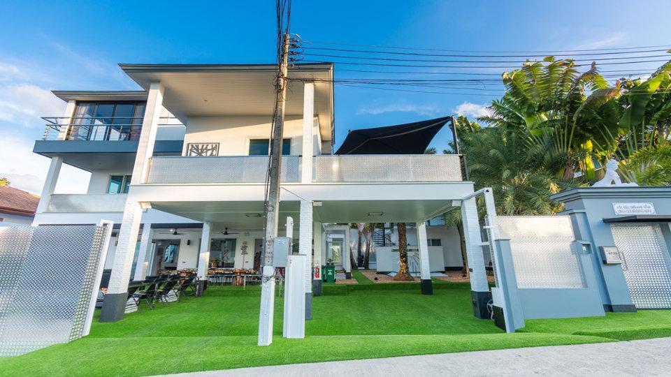 Entrance Villa - Villa Hotel Rawai Phuket - 7 beds 7.5 baths