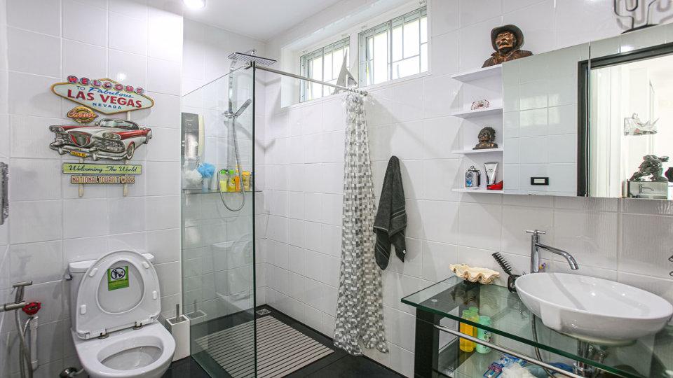 Bathroom 2 - Villa Hotel Rawai Phuket - 7 beds 7.5 baths
