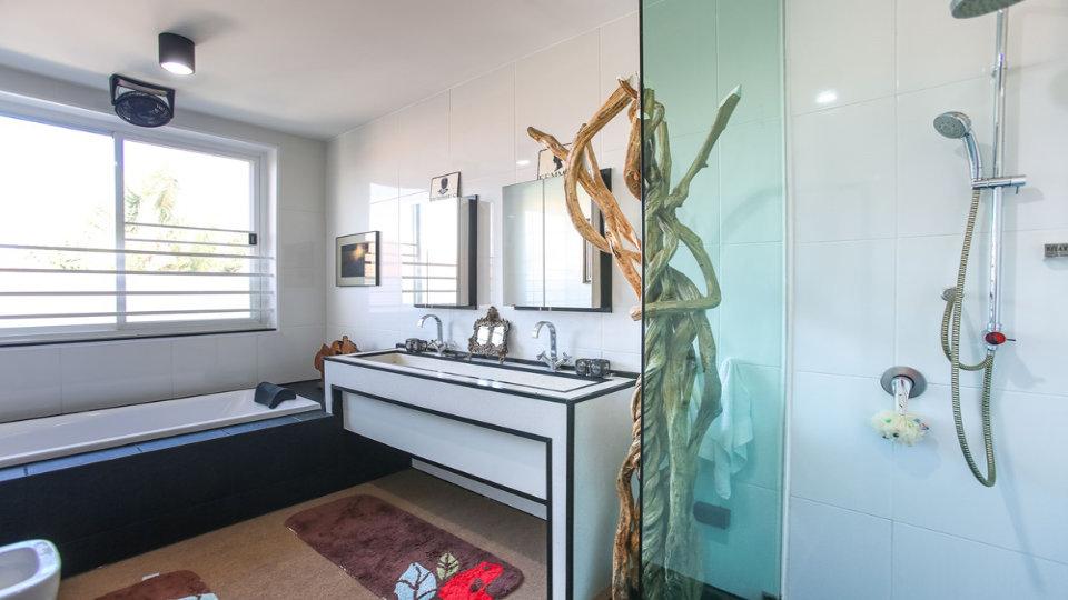 Bathroom 6 - Villa Hotel Rawai Phuket - 7 beds 7.5 baths