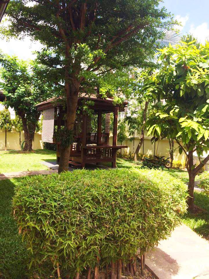 Garden and Sala