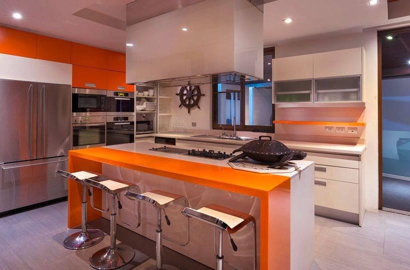 Modern. Light Kitchen