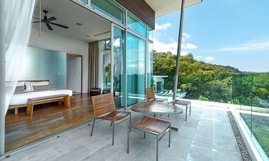 Bedroom 2 with Terrace - Villa Dao Tiem